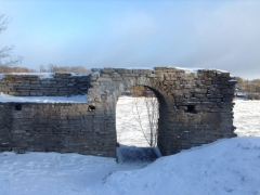 Старая Ладога, руины крепостной стены